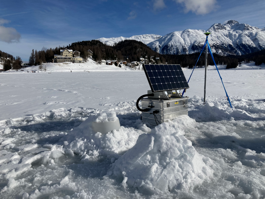 Single frequency GNSS station for bedrock deformation monitoring at the Great Aletsch Glacier